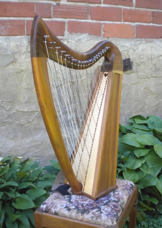 Esabelle cross strung Harp Esabelle Cross Strung Harp, 2.5 octave, specify Cherry or Walnut