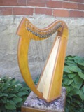 Brittany Harp, Fin, Brittany Lap harp 22 strings 3 octave, specify Walnut or Cherry.